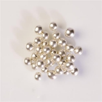 1 pcs Perles argentées avec chocolat crustillant