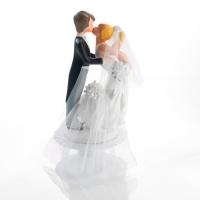 1 Couple de mariés s'embrassant