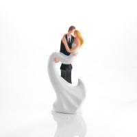Grand couple de mariés en porcelaine sur embase