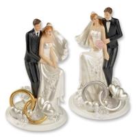 Couple de mariés avec alliances et décoration florale  2 versions