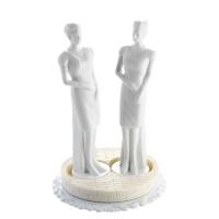 Femmes en porcelaine blanche
