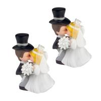 5 Couples de mariés s'embrassant