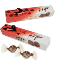 Coeur porcelaine sur coffret garni de chocolat pralin 1 X12 pcs - 190 x 36 x 40 mm