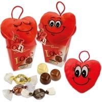 Coeur en peluche sur coffret garni de chocolat pralin 1 X12 pcs - 100 x 95 x 145 mm